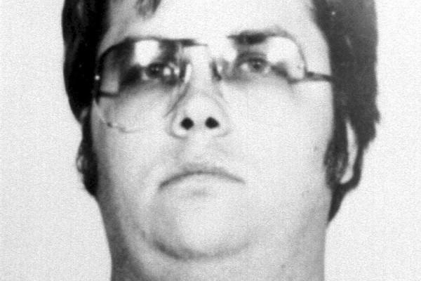 Asesino de Lennon solicita libertad condicional!